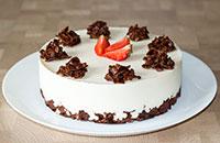 Творожный торт без выпечки с клубникой