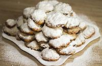 Творожное печенье с шоколадом и орехами