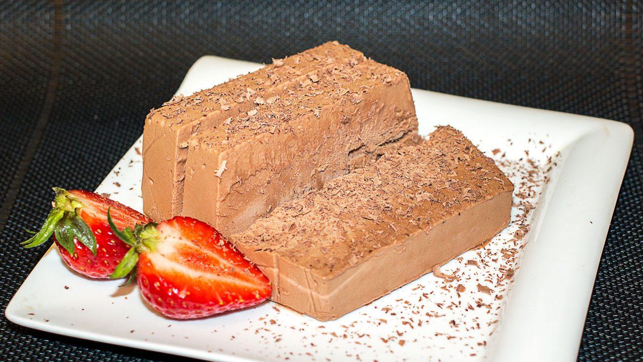 Шоколадное мороженое Семифредо из 4 ингредиентов