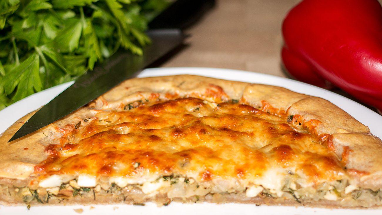 Пирог — галета с капустой и яйцом