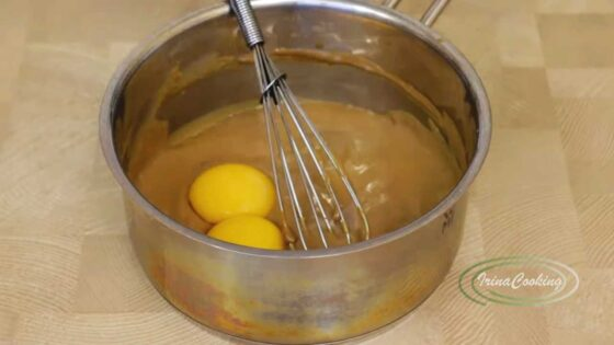 Молоко с желтками для суфле
