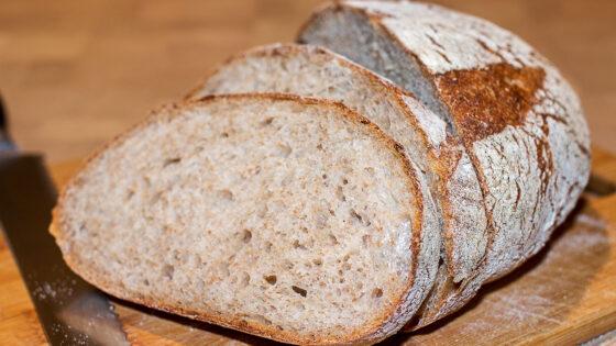 Серый хлеб на закваске